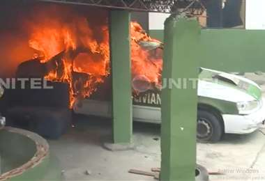 Al menos dos patrullas fueron quemadas