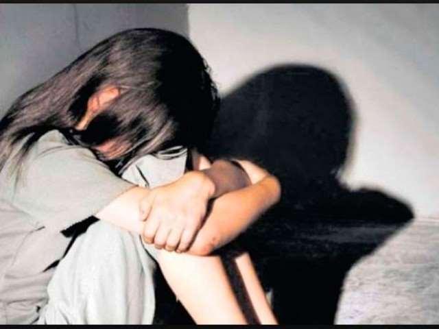 Cinco personas fueron detenidas por el abuso de la niña