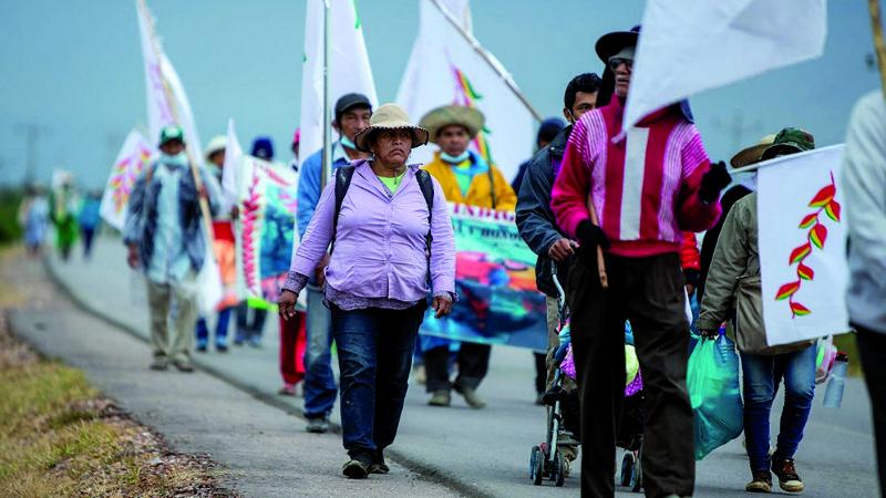 Indígenas retoman marcha en su última semana de caminata
