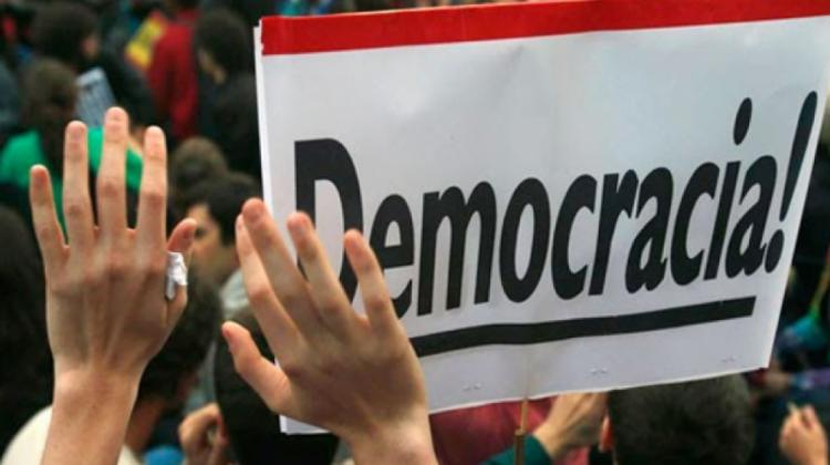 c-democraciaboliviana-409486-03AF