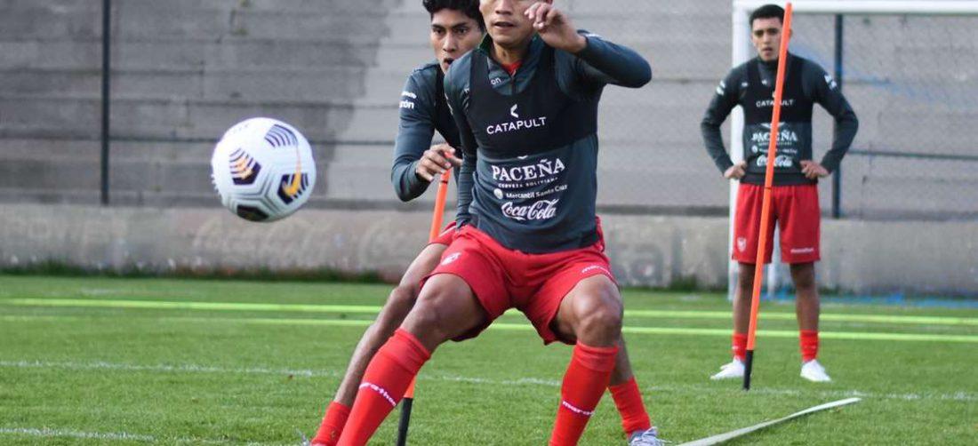 La selección entrenó este martes en el Hernando Siles de La Paz. Foto. APG
