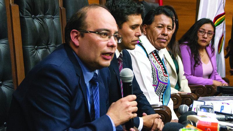 Comisión legislativa cierra proceso contra tribunos por comunicado que avaló a Añez