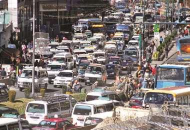 Congestionamiento vehicular en La Paz