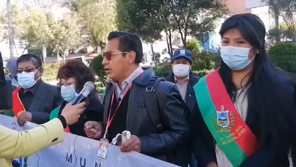 Control Social de La Paz da 48 horas para solucionar el conflicto de Adepcoca | Diario Pagina Siete