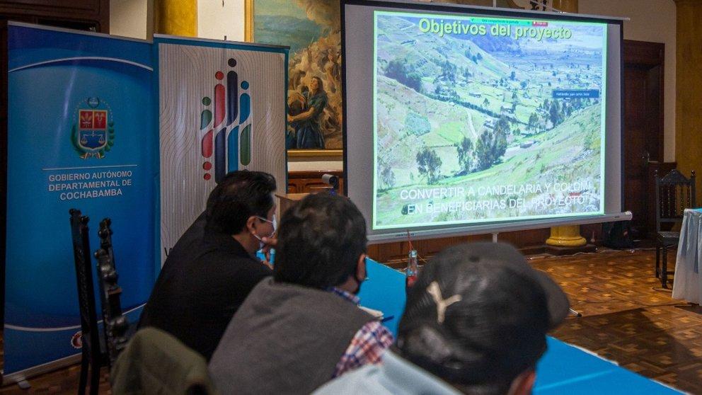 Taller donde se presentaron propuestas para abastecer de agua al Valle Alto de Cochabamba. Foto: GADC.