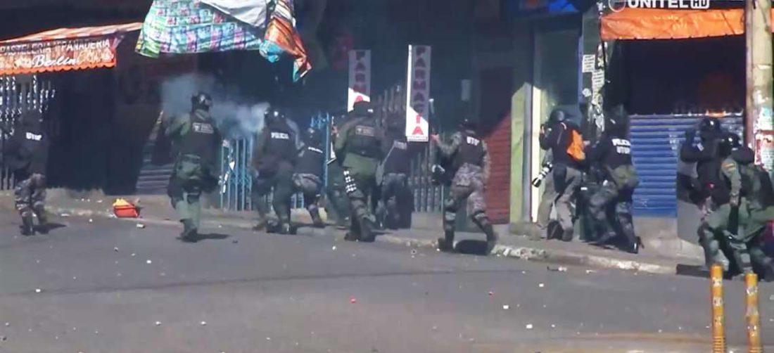 Durante varios días cocaleros y policías se enfrentaron en Villa Fátima y Villa El Carmen