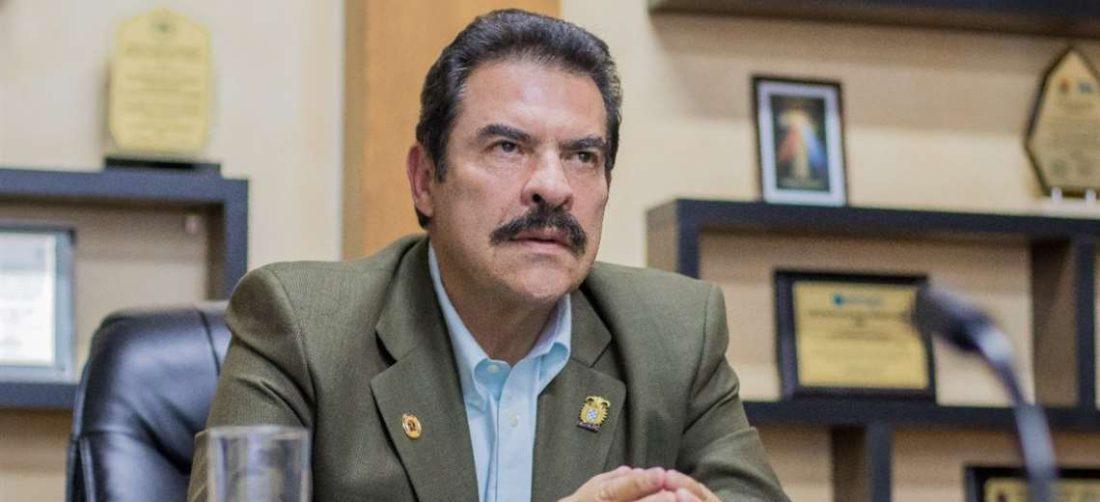 El Alcalde, Manfred Reyes Villa