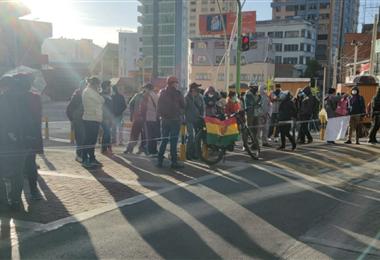 Punto de bloqueo en Miraflores de La Paz