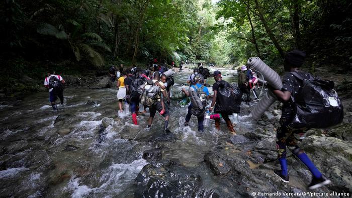 Kolumbien   Migranten aus Haiti auf dem Weg richtung USA