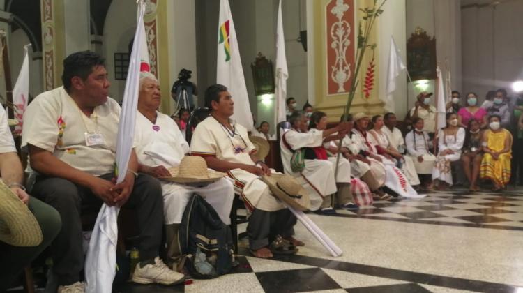 Indígenas suspenden la marcha para adherirse al paro. ARCHIVO