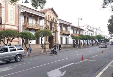 En la capital del país solo la Gobernación no abrió sus puertas a la población (UNITEL)