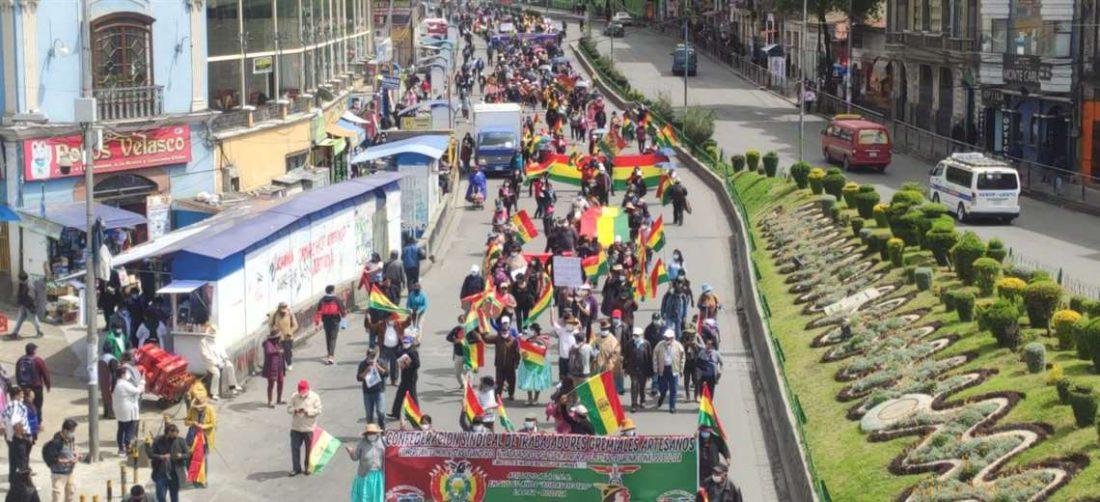 Hubo dos marchas de gremiales, una de El Alto y la otra de La Paz