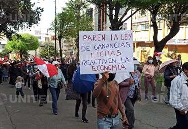 Potosinos protestan en una marcha - Foto: Nicolás Cisneros