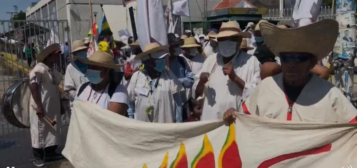 Indígenas marchan a la Brigada Parlamentaria Cruceña para presentar su agenda