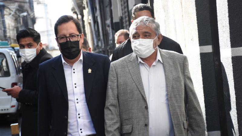 Arias se presenta en la Fiscalía y asegura que no van a escapar